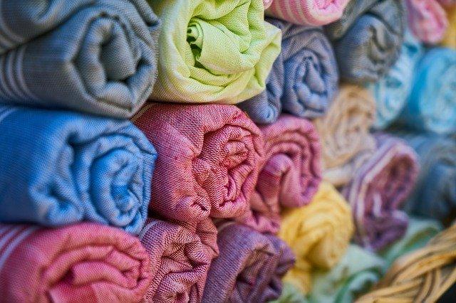 Stof i forskellige farver